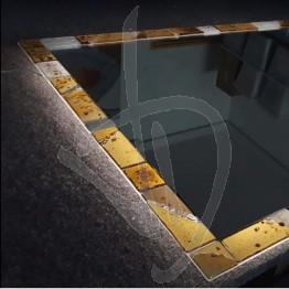 specchio-decorativo-con-cornice-in-vetro-di-murano-e-illuminazione-opzionale-su-misura
